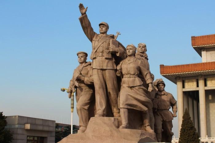 памятник героям Китая
